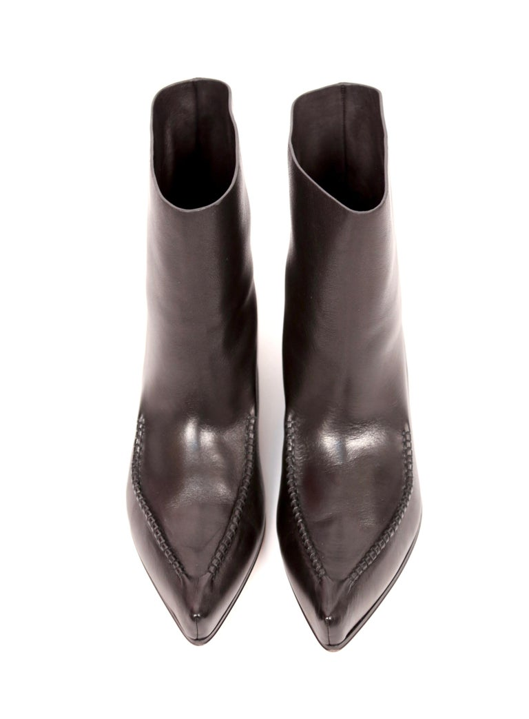 new CELINE by Phoebe Philo Santiago black leather ankle boots FR 40.5 In New Condition For Sale In San Fransisco, CA