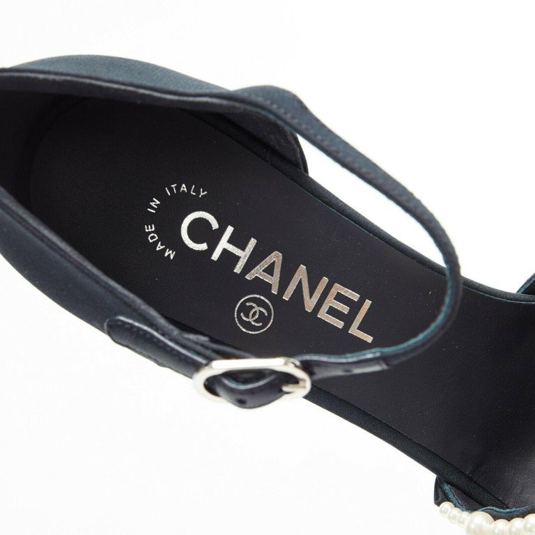 new CHANEL 17A navy multi pearl embellished CC satin toe ankle strap heels EU39 For Sale 5