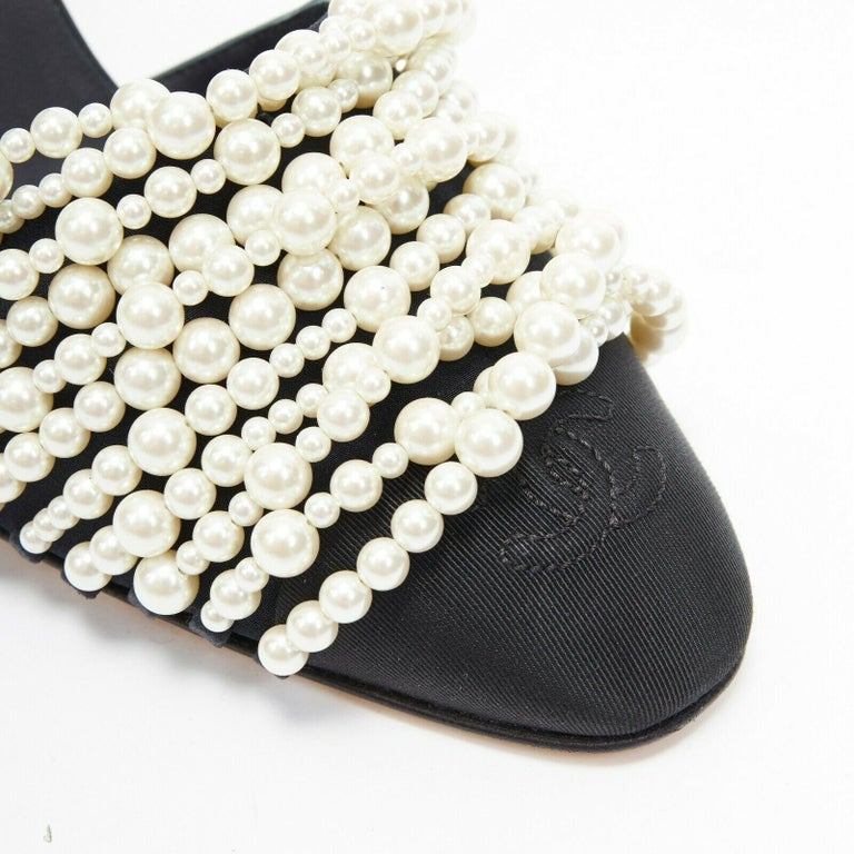new CHANEL 17A navy multi pearl embellished CC satin toe ankle strap heels EU39 For Sale 3