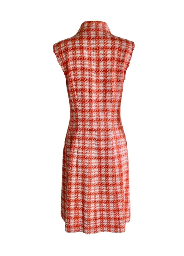 NEW Chanel Coral & Ivory Fantasy Tweed Dress with Camellia Brooch In New Condition For Sale In Switzerland, CH