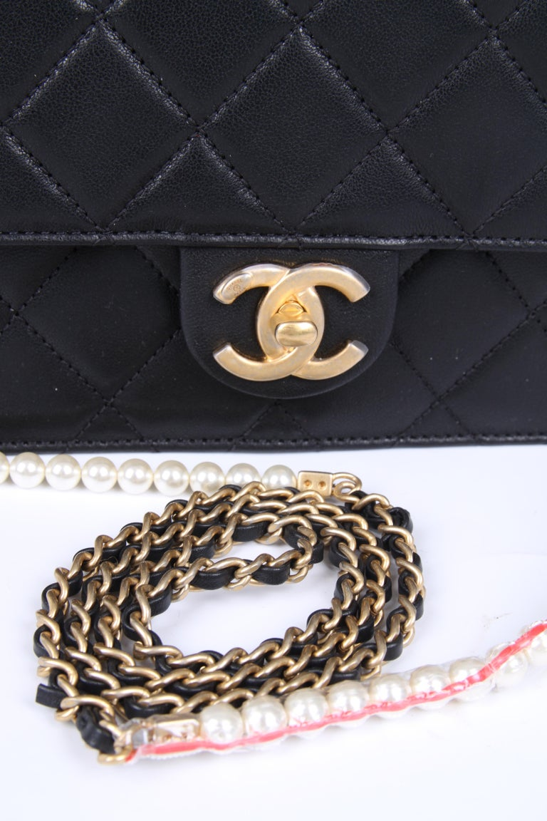 Black New! Chanel Quilted Flap Bag 2019 - black For Sale