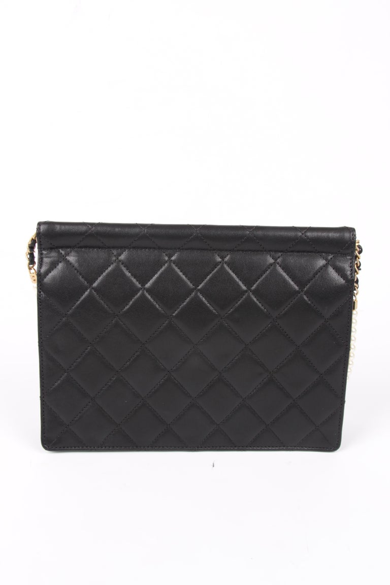 New! Chanel Quilted Flap Bag 2019 - black For Sale 1