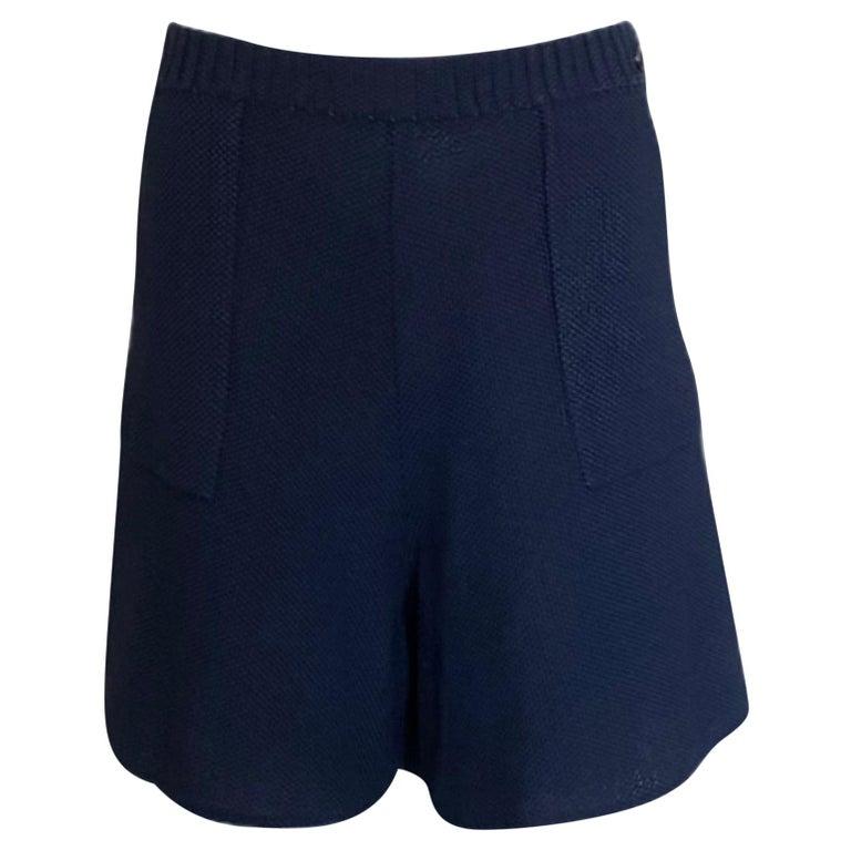 NEW Chanel Signature Crochet Knit Bermuda Shorts Pants For Sale