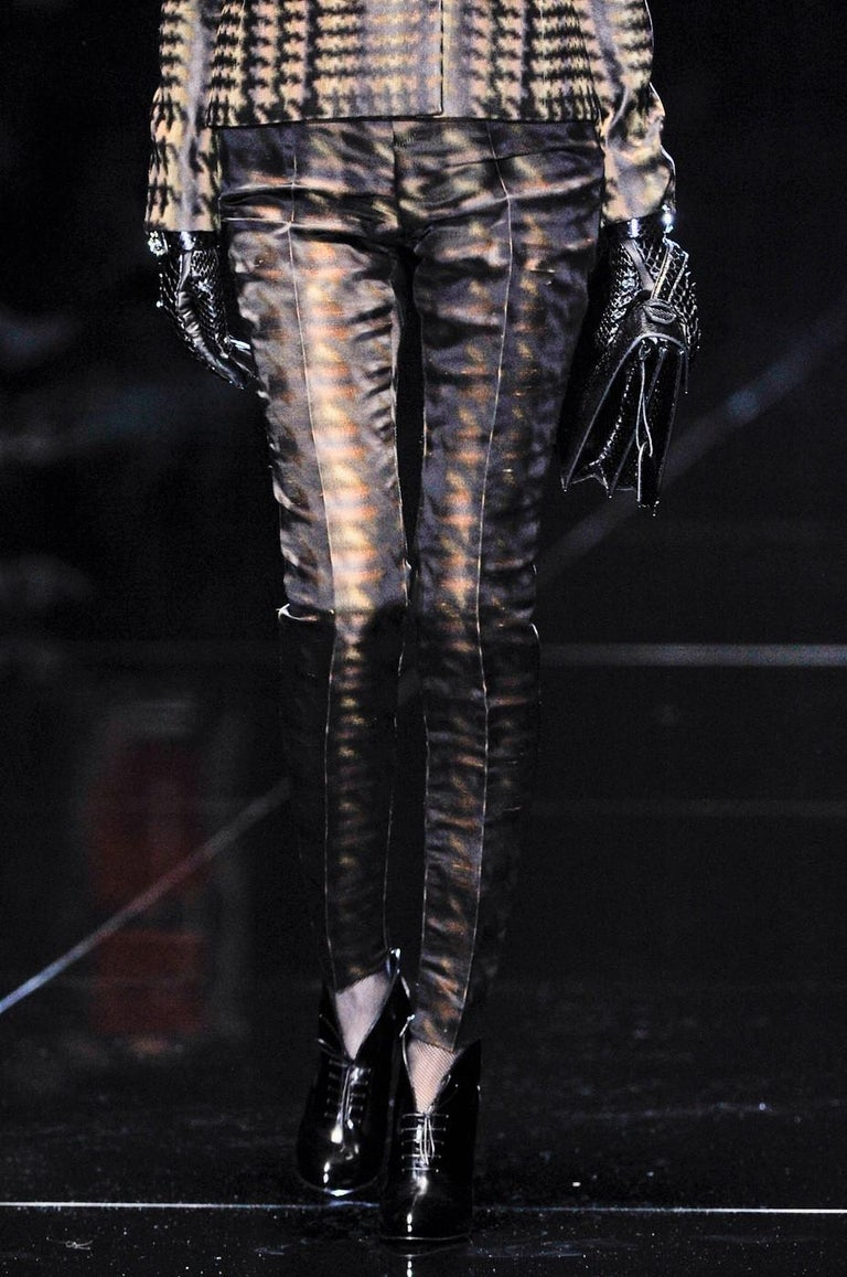 New Collectible Gucci Silk Abstract Runway Magazine Pants F/W 2013 Sz 40 $2275 For Sale 5