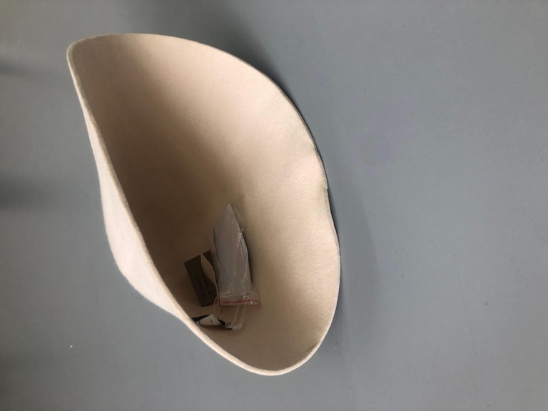 new COMME DES GARCONS HOMME PLUS 2015 cream wool felt structured bowl hat rare In New Condition For Sale In Hong Kong, NT