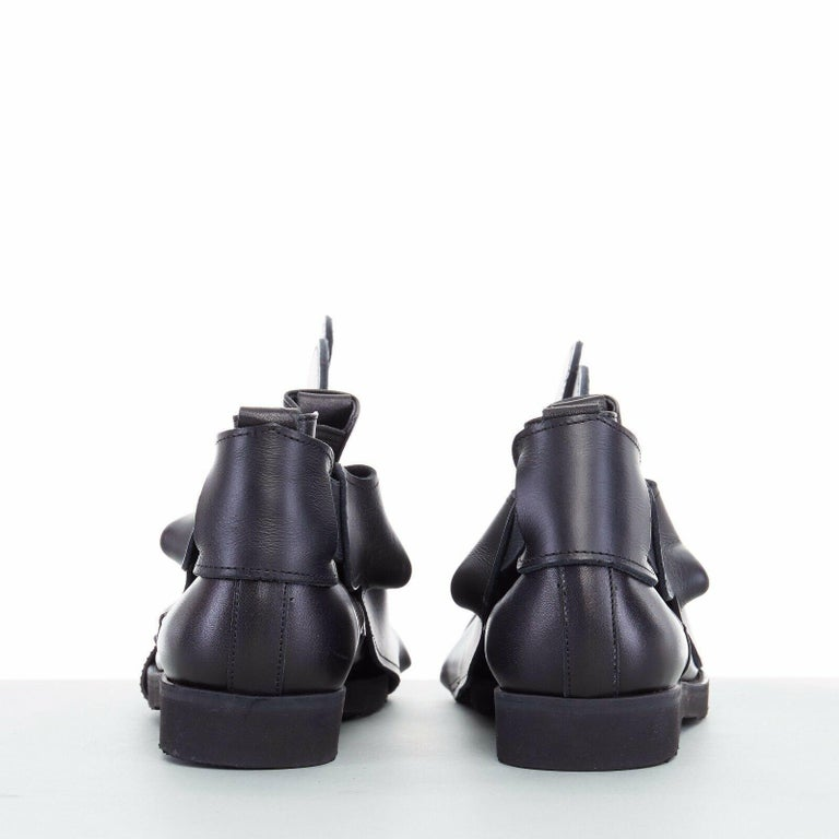 Women's new COMME DES GARCONS SS14 rare black structured padded leather shoe cover For Sale