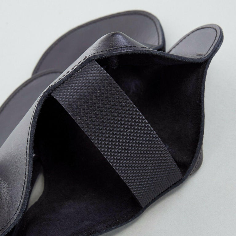 new COMME DES GARCONS SS14 rare black structured padded leather shoe cover For Sale 2