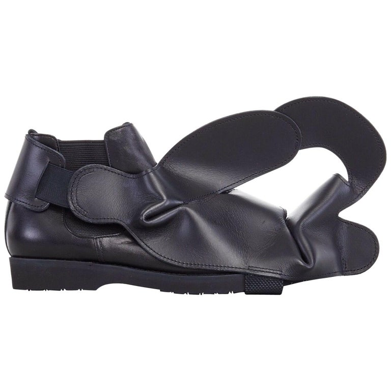 new COMME DES GARCONS SS14 rare black structured padded leather shoe cover For Sale
