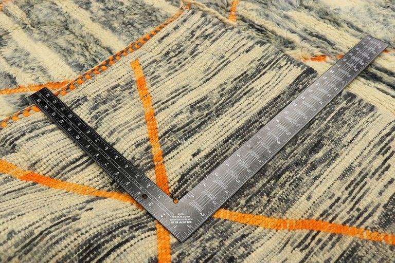 New Contemporary Beni Mrirt Carpet, Berber Moroccan Rug In New Condition For Sale In Dallas, TX
