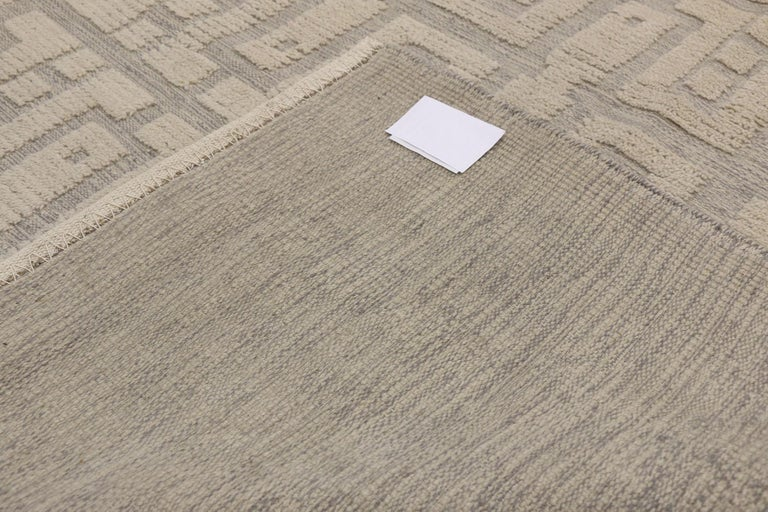 Wool New Contemporary High-Low Geometric Area Rug with Modern Style For Sale