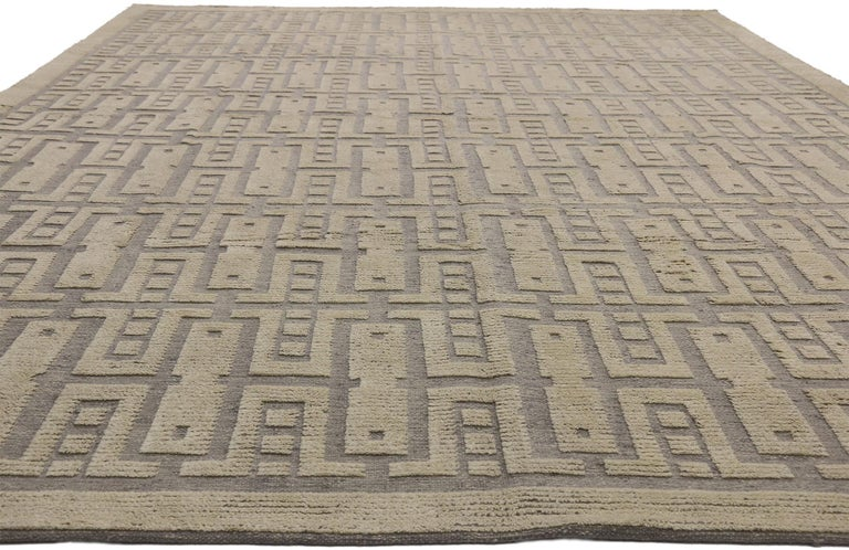 Indian New Contemporary High-Low Geometric Area Rug with Modern Style For Sale