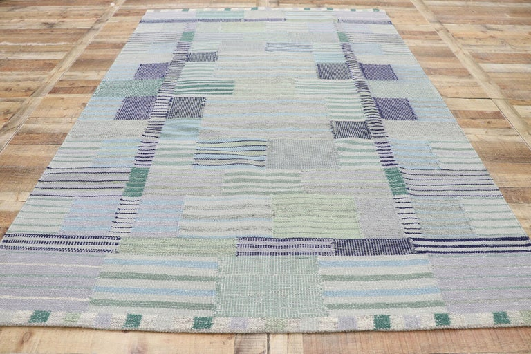 New Contemporary Indo-Swedish Kilim Rug with Bohemian Scandinavian Modern Style For Sale 1