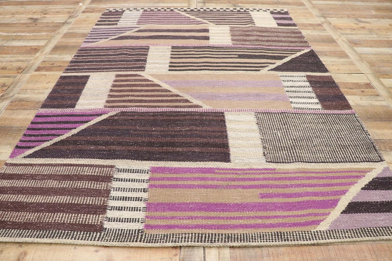 New Contemporary Indo-Swedish Kilim Rug with Scandinavian Modern Abstract Style For Sale 1