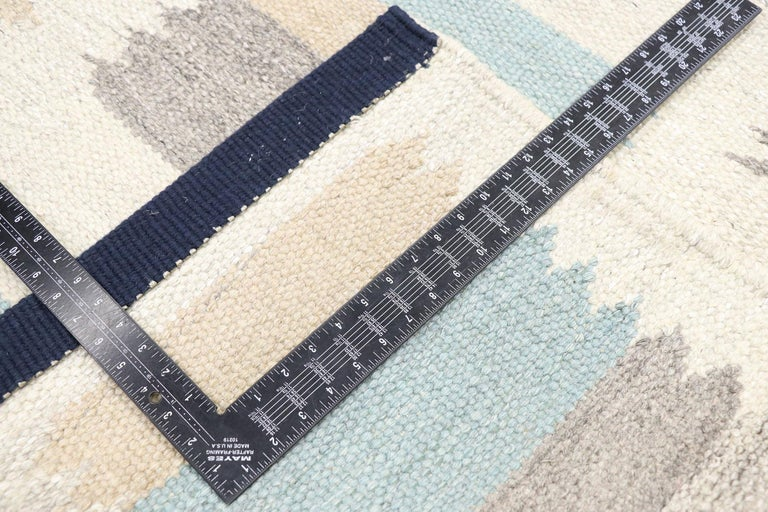 New Contemporary Indo-Swedish Kilim Rug with Scandinavian Modern Style In New Condition For Sale In Dallas, TX