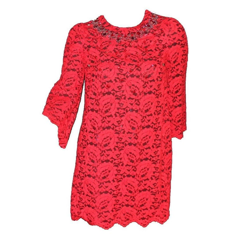 NEW Dolce & Gabbana Crystal Embellished Red Lace & Silk Dress In New Condition For Sale In Switzerland, CH