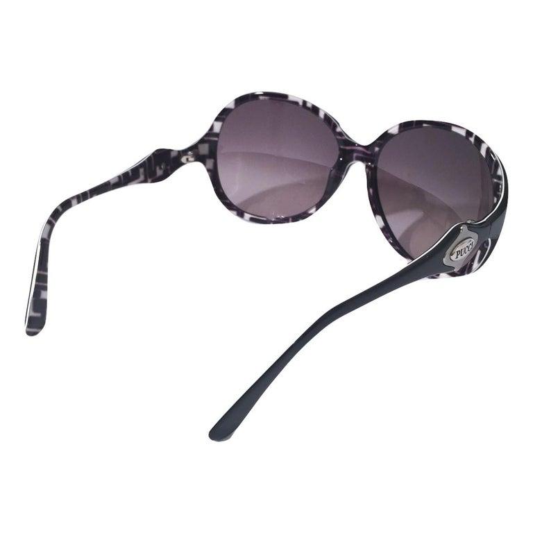 New Emilio Pucci Black Logo Sunglasses With Case & Box For Sale 7