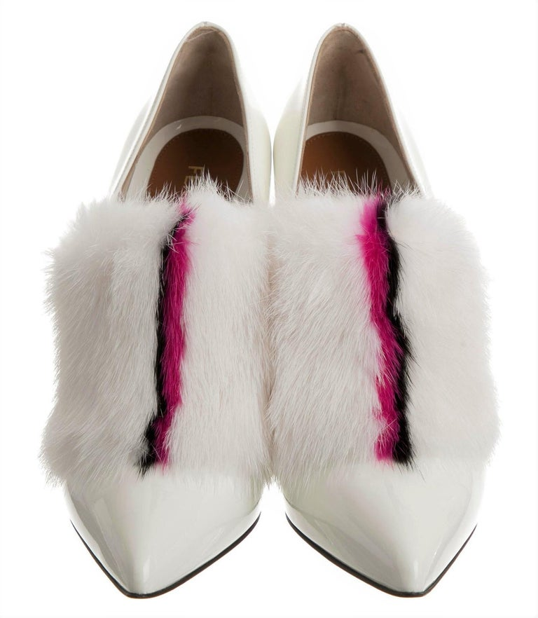 New Fendi Karl Lagerfeld Rare Runway Art Deco Leather Fox Fur Booties Pump Sz 40 For Sale 7