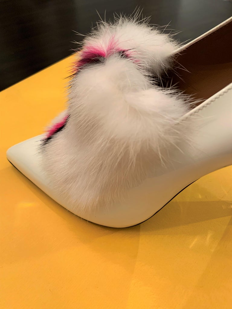 New Fendi Karl Lagerfeld Rare Runway Art Deco Leather Fox Fur Booties Pump Sz 40 For Sale 8