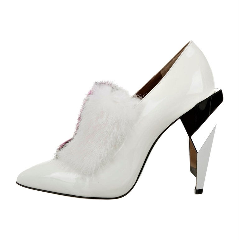 New Fendi Karl Lagerfeld Rare Runway Art Deco Leather Fox Fur Booties Pump Sz 40 For Sale 4