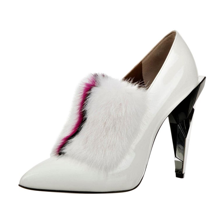 New Fendi Karl Lagerfeld Rare Runway Art Deco Leather Fox Fur Booties Pump Sz 40 For Sale