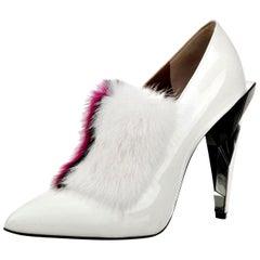 New Fendi Karl Lagerfeld Rare Runway Art Deco Leather Fox Fur Booties Pump Sz 40