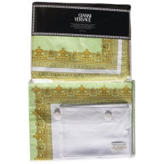 New Gianni Versace Home Collection Medusa Green White Table Cloth 10 pc Set