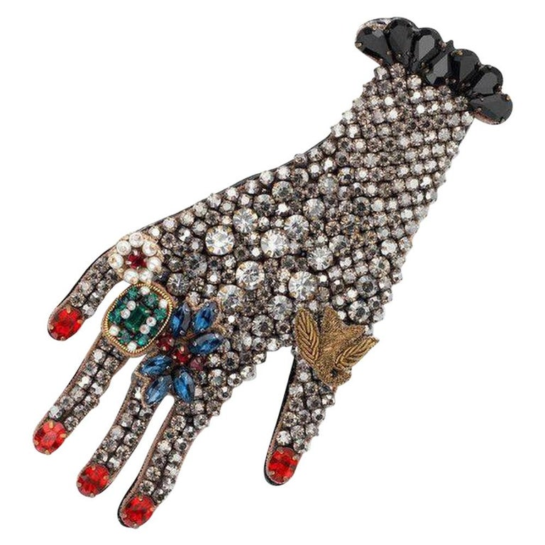 New GUCCI black hand crystal  embellished brooch For Sale