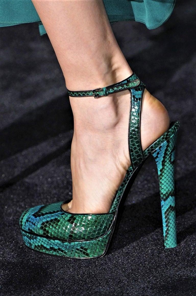 New Gucci 90th Anniversary Fall Runway Python Skakeskin Pump Heels Sz 37   $2425 For Sale 8