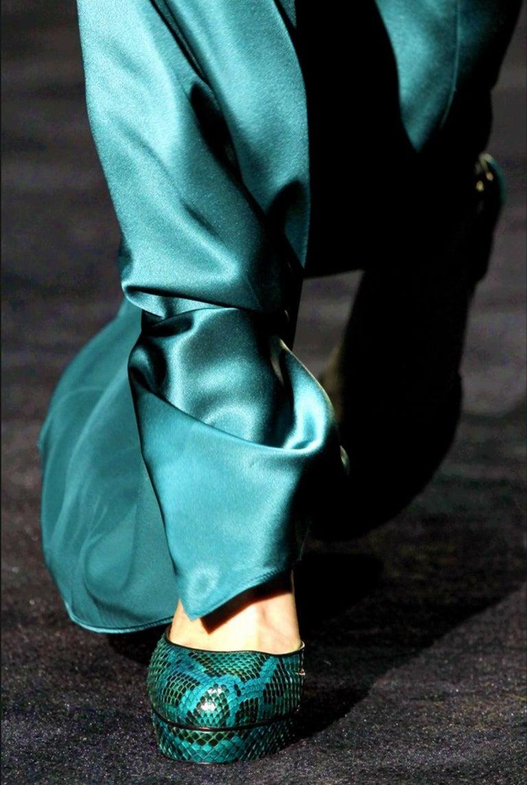 New Gucci 90th Anniversary Fall Runway Python Skakeskin Pump Heels Sz 37   $2425 For Sale 9