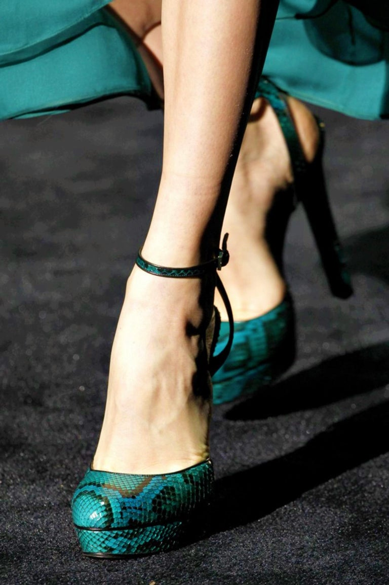 Women's New Gucci 90th Anniversary Fall Runway Python Skakeskin Pump Heels Sz 37   $2425 For Sale