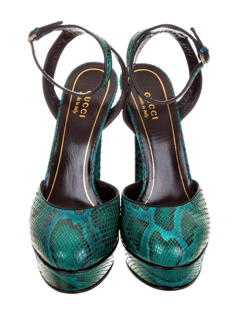 New Gucci 90th Anniversary Fall Runway Python Skakeskin Pump Heels Sz 37   $2425 For Sale 1