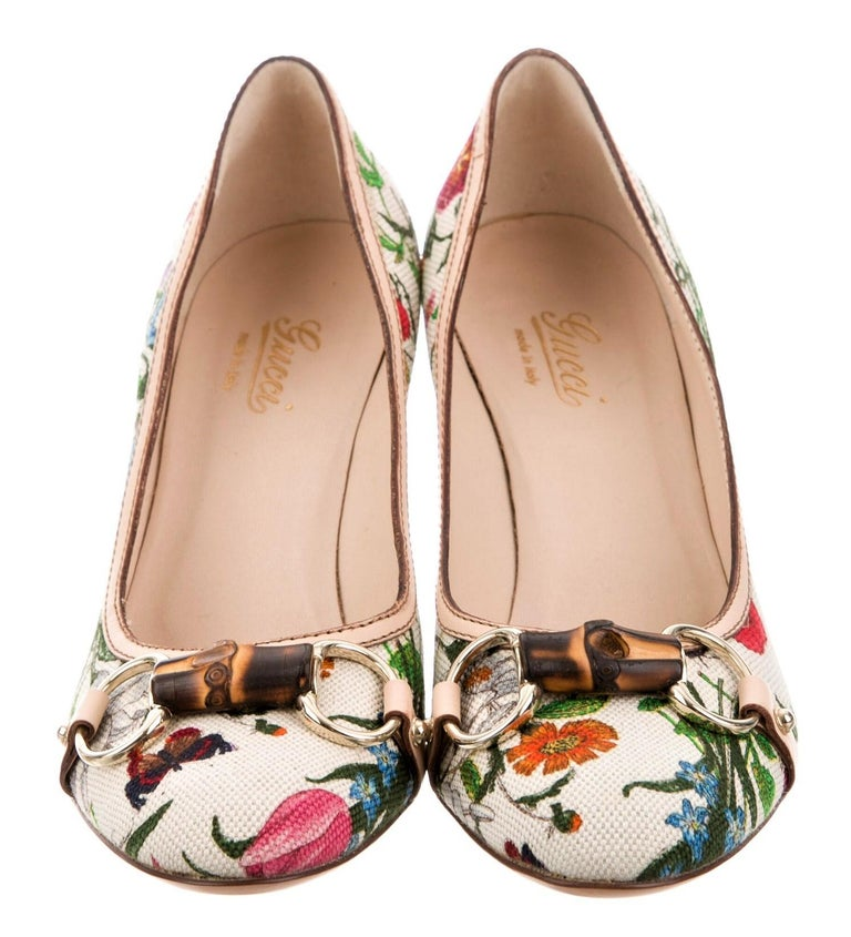 Brand New Gucci Flora Heels Size:  6.5 Beautiful Iconic Canvas Flora Pattern Bamboo & Gold Hardware Leather Footbed Wood Heel Heel Height 3