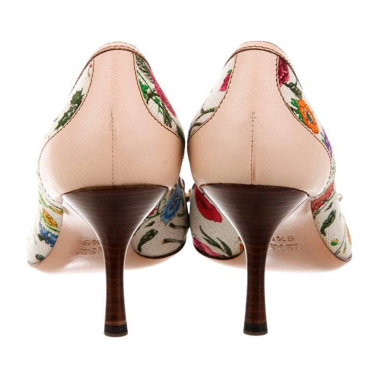 New Gucci Flora Bamboo Runway Pumps Heels Sz 6.5 In New Condition For Sale In Leesburg, VA