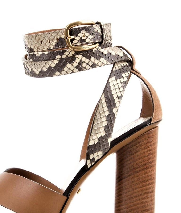 New Gucci Lykke Li Python Spring 2015 Runway Pumps Heels Sz 39.5 In New Condition For Sale In Leesburg, VA
