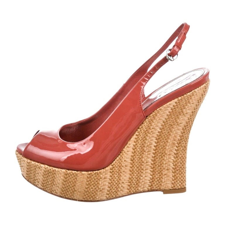 New Gucci Mauve Patent Leather and Wicker Wedge Platform Heels Sz 37.5 For Sale