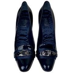 UNWORN Gucci Midnight Blue Tuxedo Satin Patent Leather High Heels Pumps