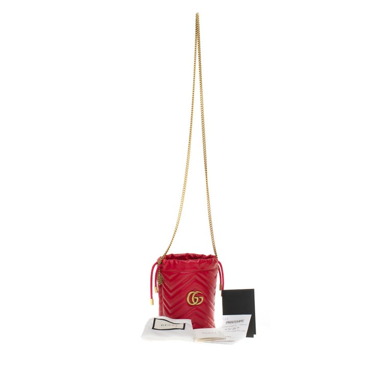 New GUCCI mini bucket bag GG Marmont in red quilted leather with chevrons For Sale 5