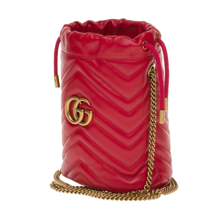 Red New GUCCI mini bucket bag GG Marmont in red quilted leather with chevrons For Sale