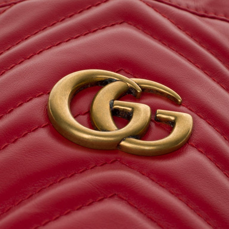 Women's New GUCCI mini bucket bag GG Marmont in red quilted leather with chevrons For Sale