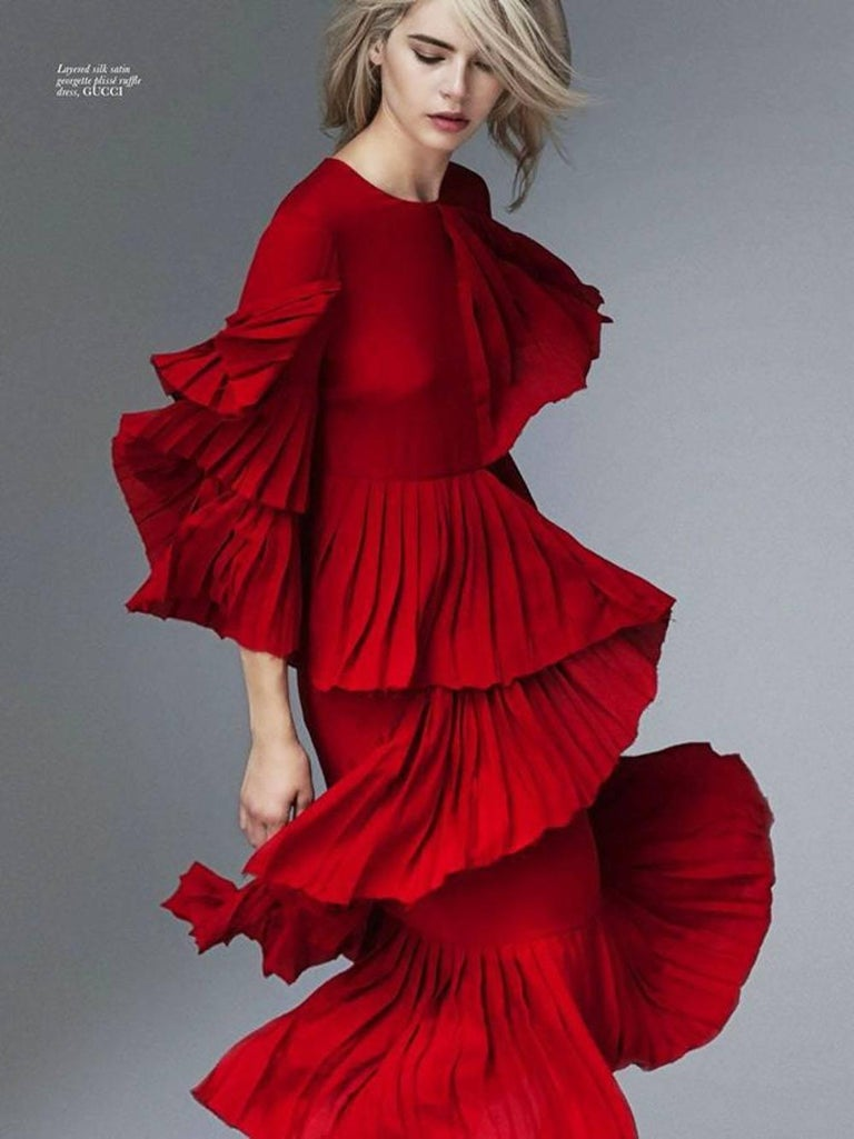 d576aad489 New Gucci Ruffled Silk-Georgette Hibiscus Red Dress It. 40 In New Condition  For