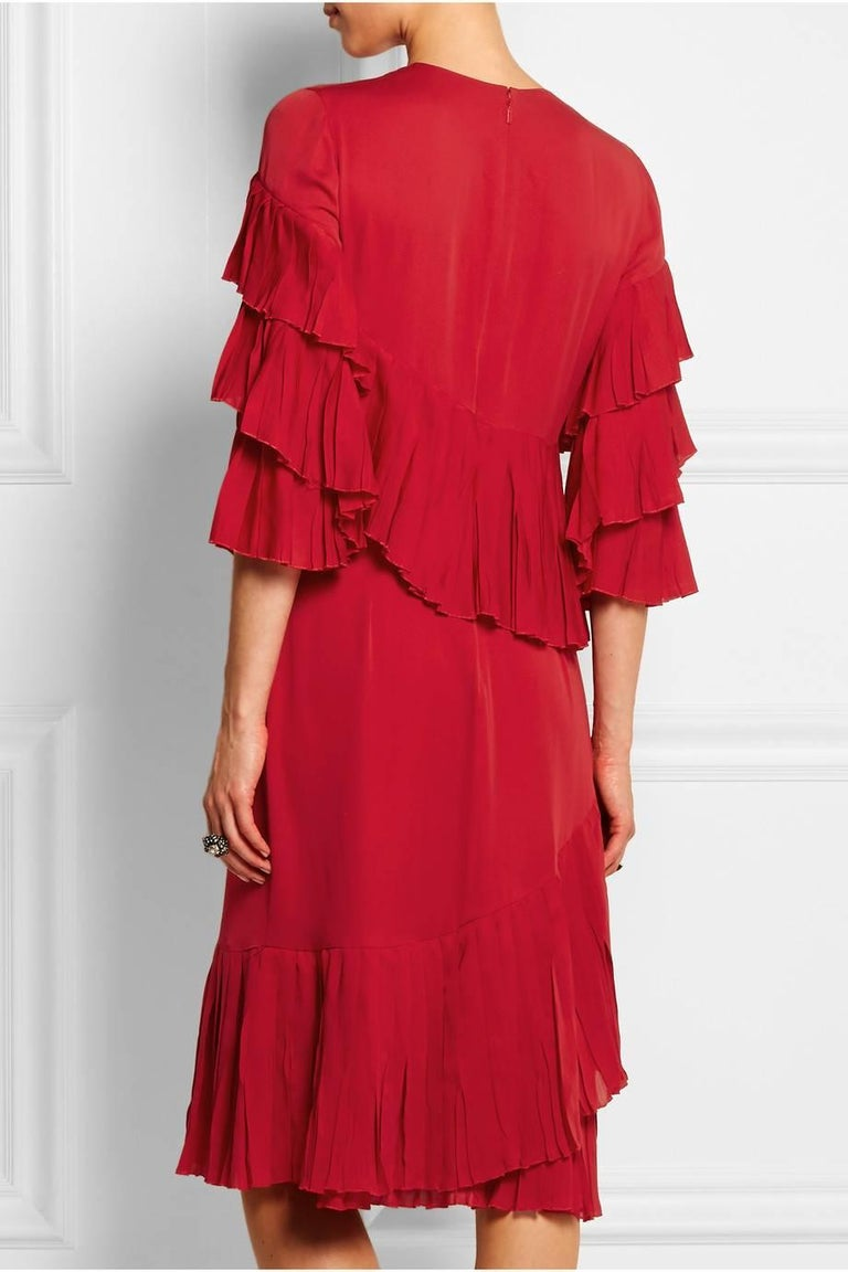 61ca89fb1a New Gucci Ruffled Silk-Georgette Hibiscus Red Dress It. 40 For Sale ...