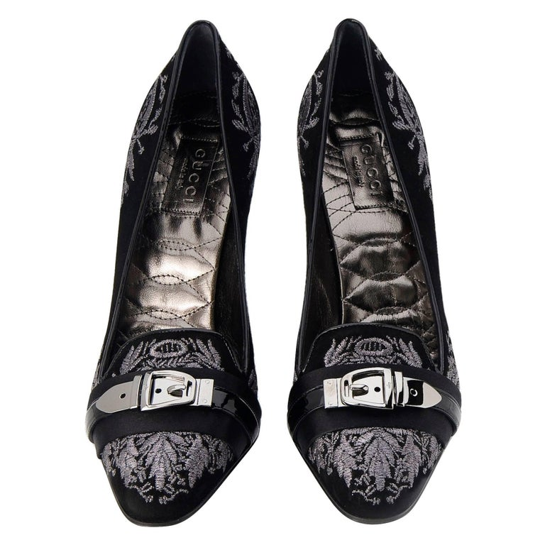 New Gucci Runway Suede Brocade Buckle Heels Pumps Sz 38 In New Condition For Sale In Leesburg, VA