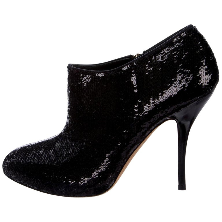 Gucci Sequin Booties Brand New * Stunning Black Mini Sequin * Gold Hardware * Size: 38 * Rounded Toe * Side Zip  * Gucci Green Red & Black * 4