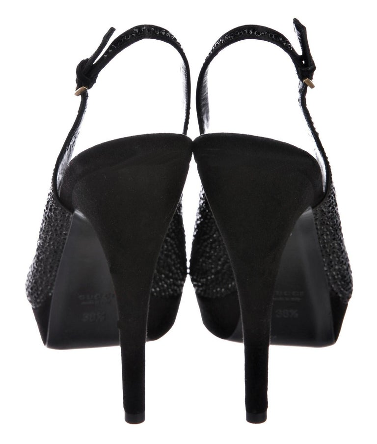 New Gucci Stunning Crystal & Suede Leather Platform Heels Pumps Sz 38.5 In New Condition For Sale In Leesburg, VA