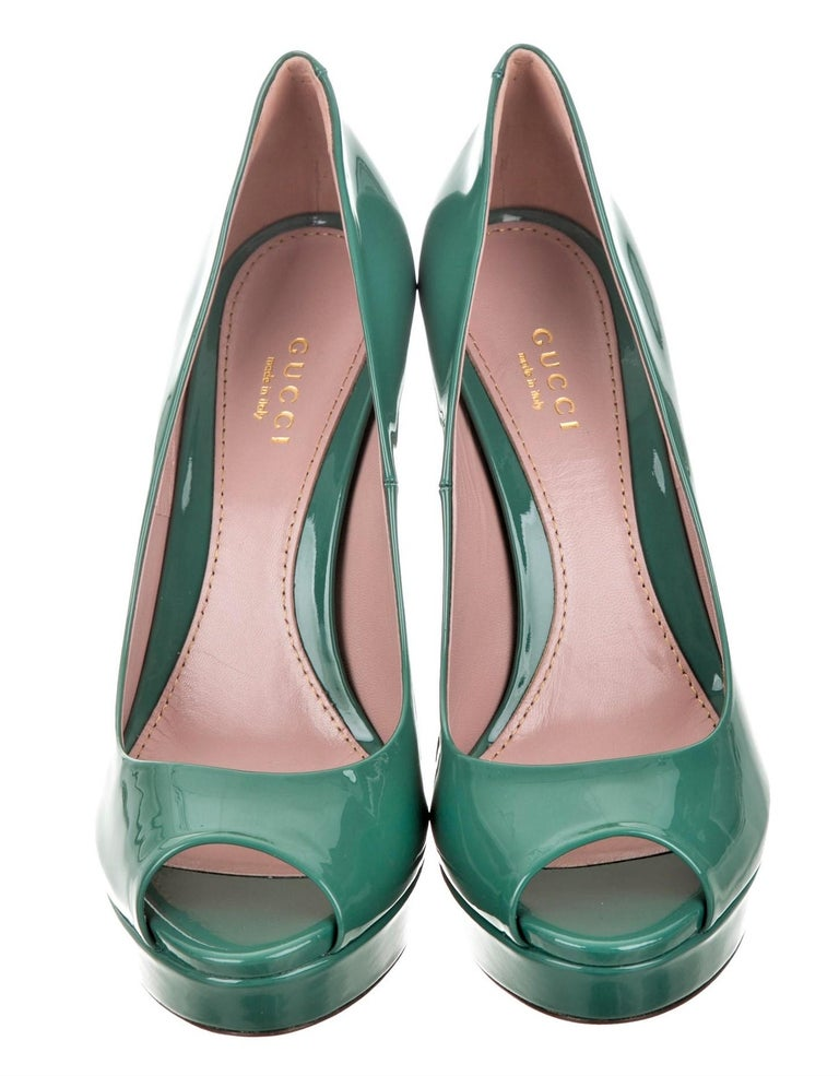 New Gucci Stunning Green Patent Leather Heels Pumps Sz 38 In New Condition For Sale In Leesburg, VA