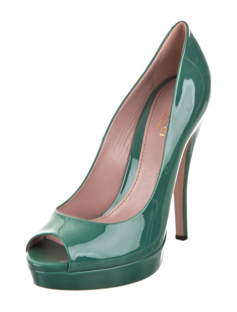 Women's New Gucci Stunning Green Patent Leather Heels Pumps Sz 38 For Sale