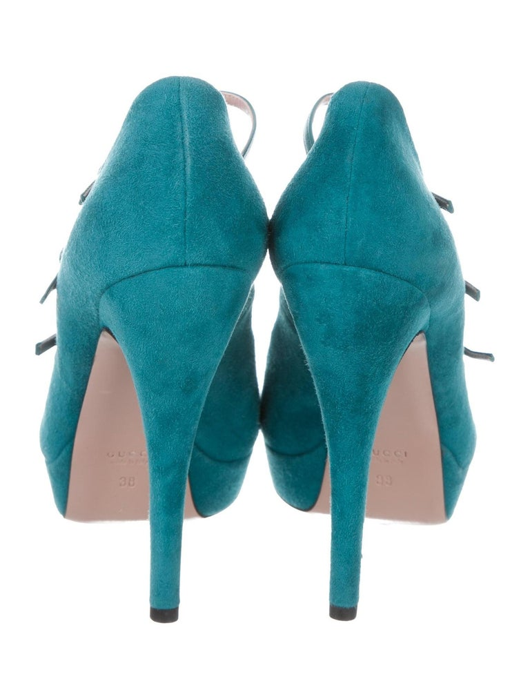 New Gucci Stunning Turquoise Suede Leather Platform Heels Pumps Sz 38 In New Condition For Sale In Leesburg, VA