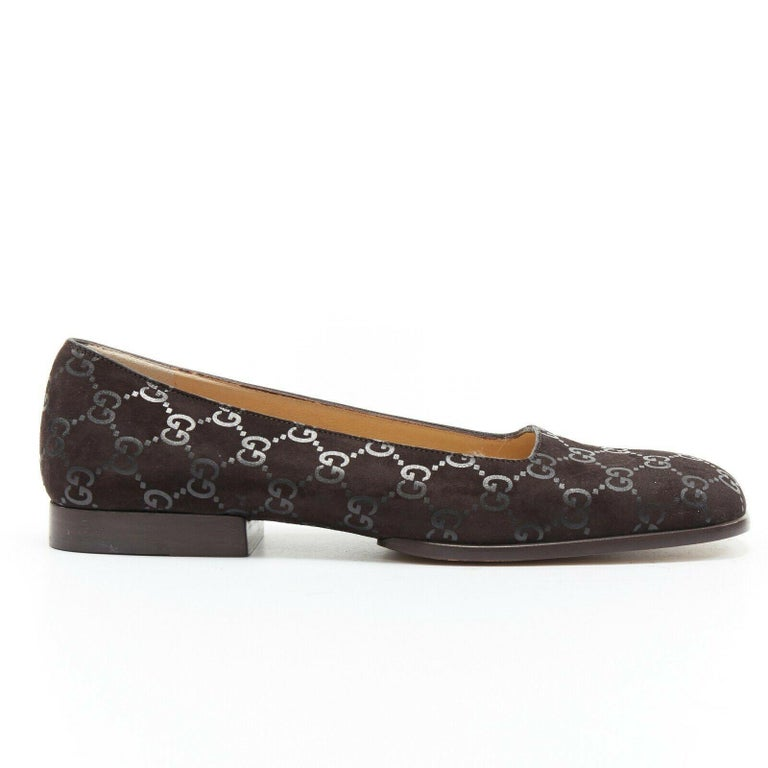 new GUCCI Vintage brown monogram printed black suede square toe loafer EU36.5C  GUCCI VINTAGE Dark brown suede leather. Tonal monogram printed on leather. Tonal stitching. Square toe. Stacked wood block heel. Slip on loafer. Made in