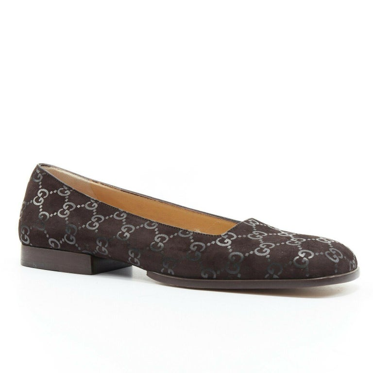 Gray new GUCCI Vintage brown monogram printed black suede square toe loafer EU36.5C For Sale