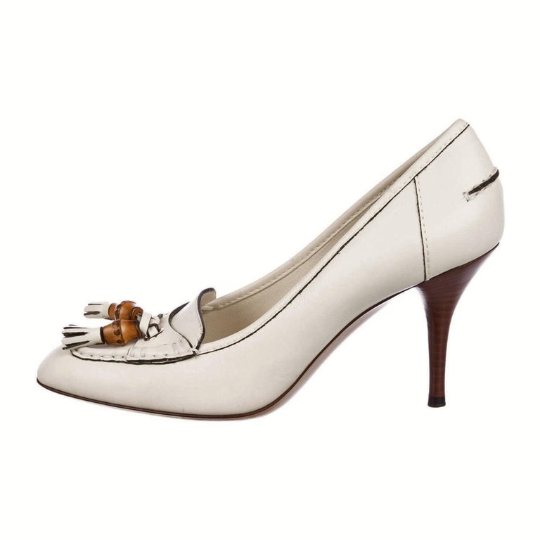 New Gucci Resort 2007 Winter White Leather Bamboo Tassel Heels Pumps Sz 7.5 For Sale 1